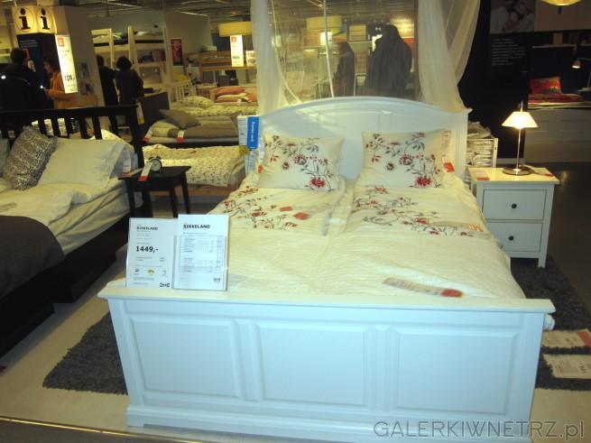 Dwuosobowe łóżko typu BIRKELAND w kolorze białym o wymiarach 160x200 cm, rama ...