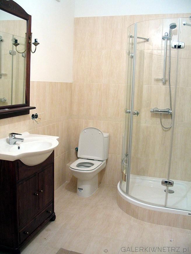Łazienka w bloku. Kabina prysznicowa to Sanplast Exclusive cała ze szkła - jedynie ...