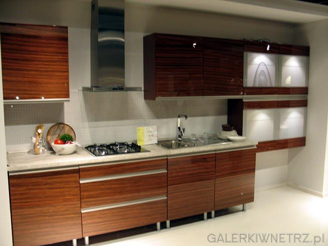 Kuchnia BRW Capital 37 Savana Avenue. Fronty wykonane są z drewna lub oklejane ...