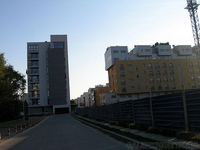 Ekskluzywne mieszkania w Warszawie. Cena za 1m2 to około 15-20tyś. Przy średniej ...