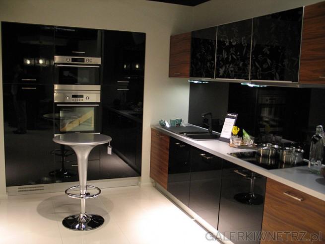 Kuchnia Atlas Oktawia 0460 2360. MDF lakierowany czarny w połysku. Okleina Palisander. ...