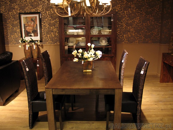 Krzesła rattanowe Signal R 21 w cenie 239 zł. Cena stołu 619PLN