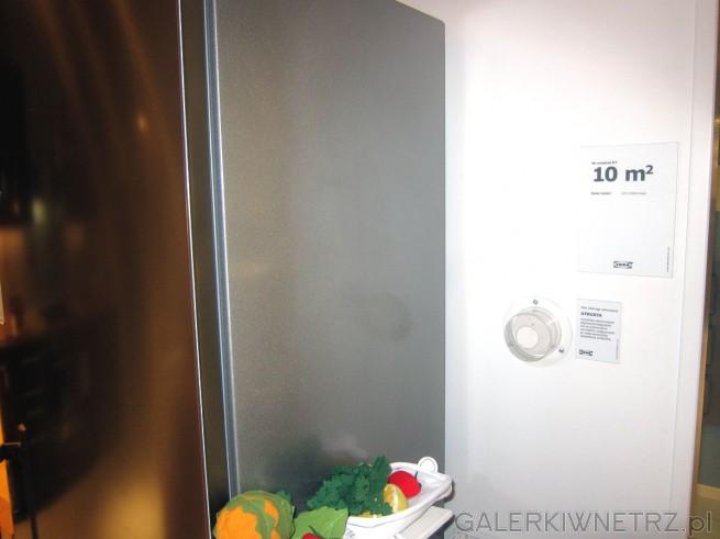 Pomysł na kuchnię o powierzchni 10 m2. Jak widać, można zaplanować to z głową ...