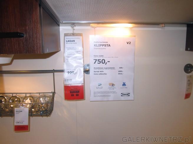 Średniobrązowe meble kuchenne KLIPPSTA w cenie 750 złotych oraz wyciąg montowany ...