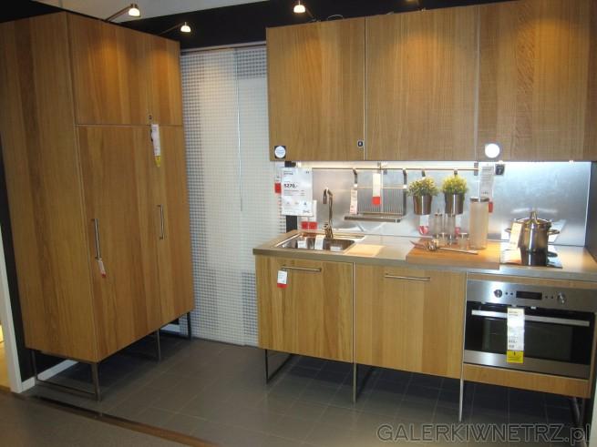 Oto inspiracja jak urządzić kuchnię o powierzchni zaledwie 4m2. Mimo tak małego ...