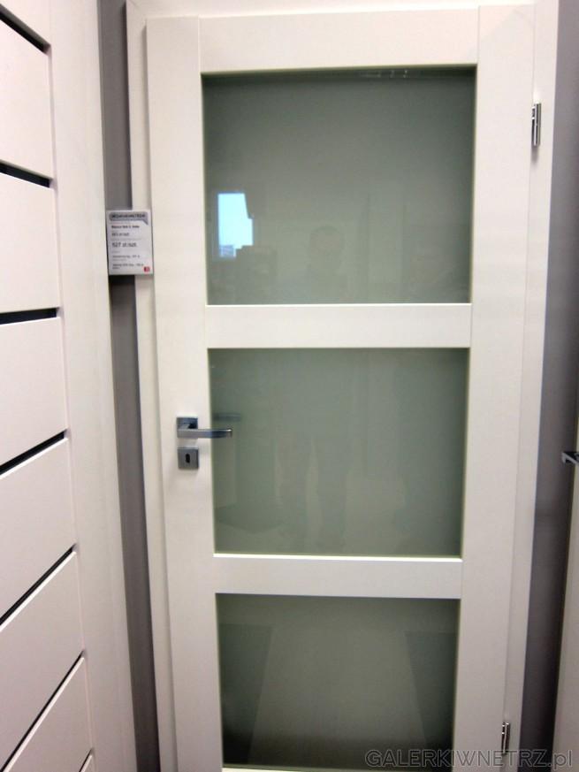 Drzwi Bianco Sati 3, całe białe, wewnętrzne, przylgowe, z trzema szybami matowymi. ...
