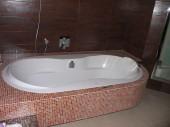 Łazienka z wanną i prysznicem projekt Kuby i Mychy