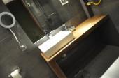 Projekt małej łazienki z kabiną bez brodzika, w kolorze grafitowym- łazienka - projekt Kasik 7